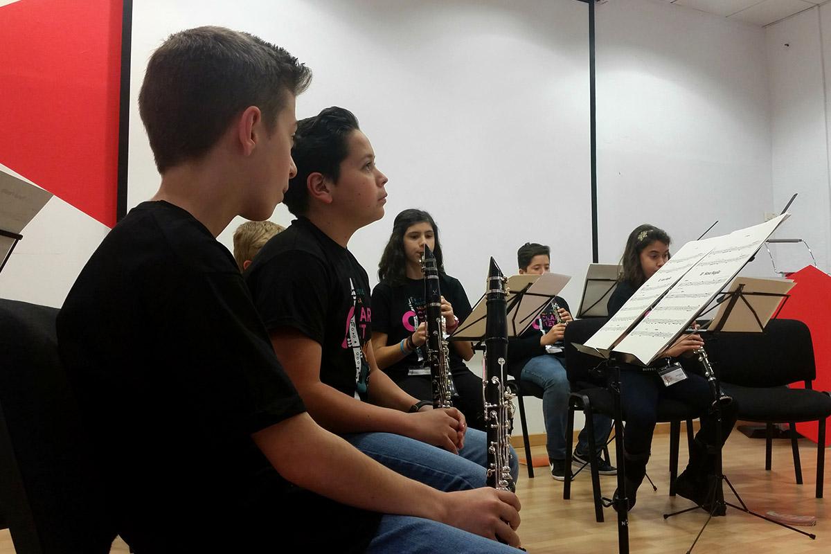 Concierto ensemble juvenil de clarinete CLARINETsur 2016. Dirige Javier Torres.